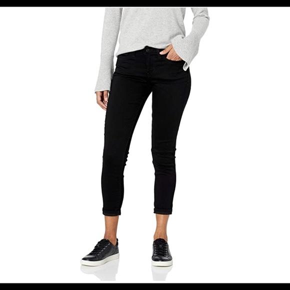0456 Women's Mid Rise Skinny Cuffed Jeans